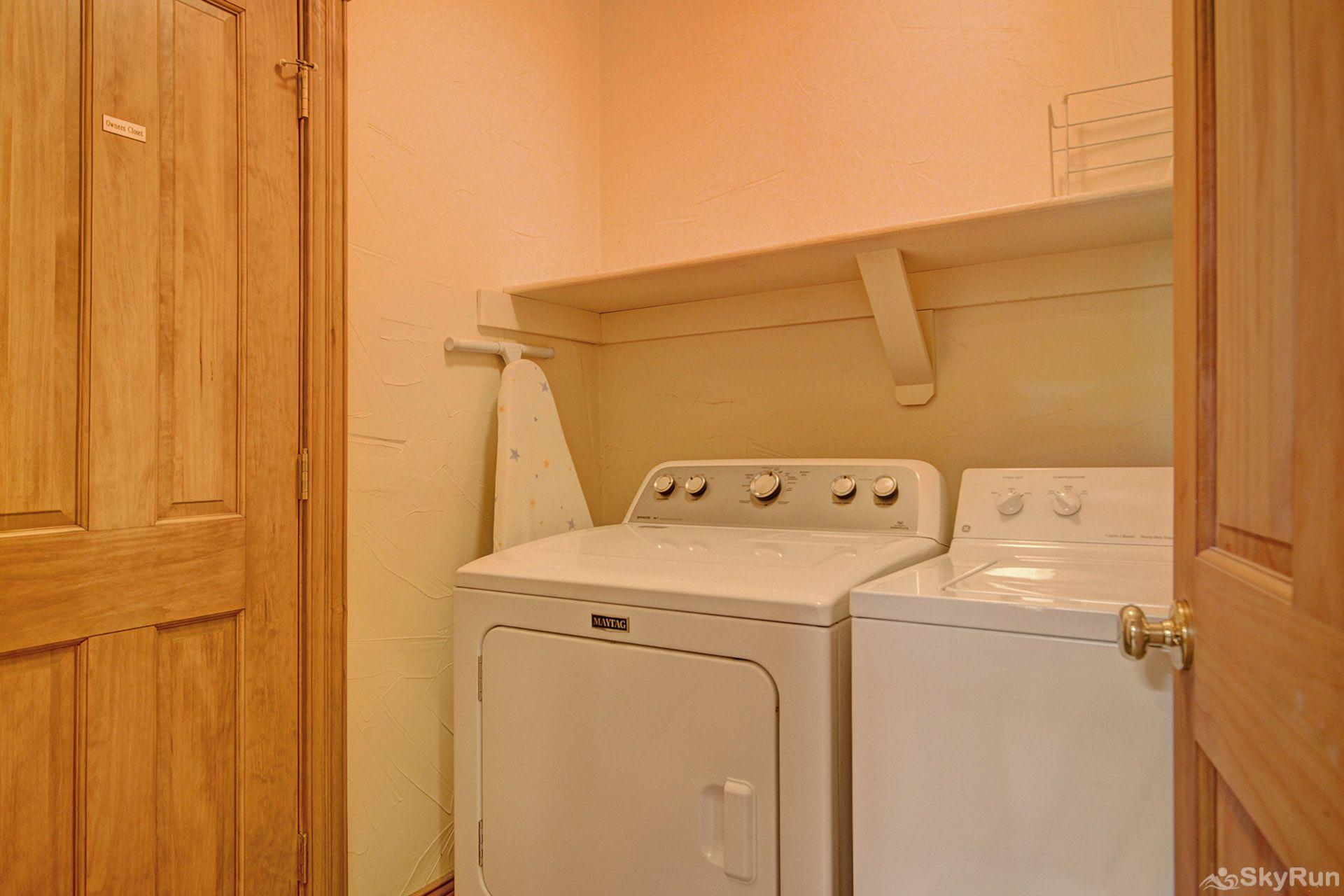 CrossTimbers 2784 Wash your ski garments or bathing suits in this private washer/dryer room.