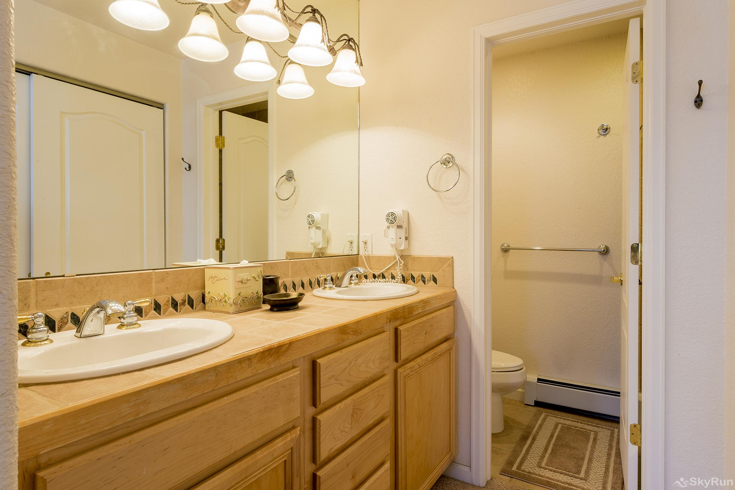 Villas 1450 Master Bathroom
